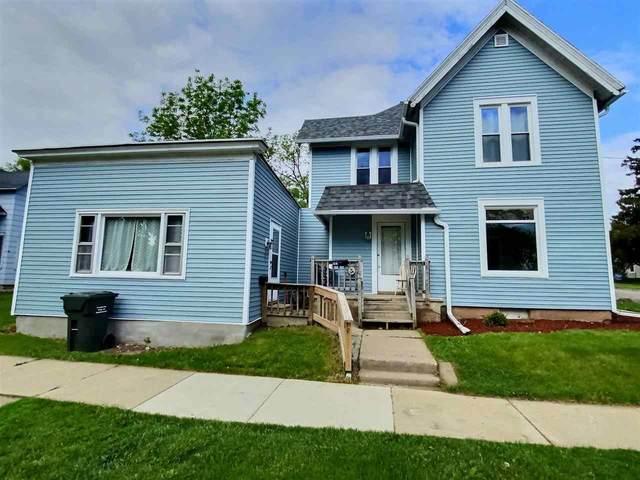 203 Whitney Street, Kaukauna, WI 54130 (#50240889) :: Carolyn Stark Real Estate Team