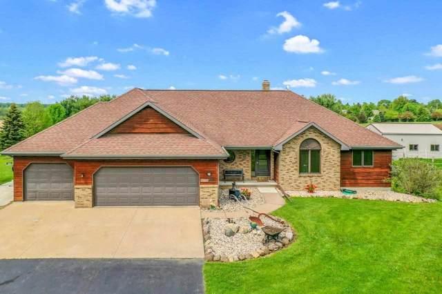 W9740 Cloverleaf Road, Hortonville, WI 54944 (#50240898) :: Carolyn Stark Real Estate Team
