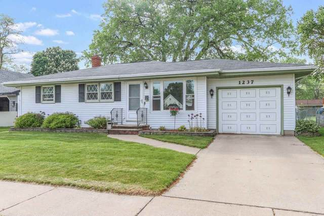 1237 N Platten Street, Green Bay, WI 54303 (#50240960) :: Carolyn Stark Real Estate Team