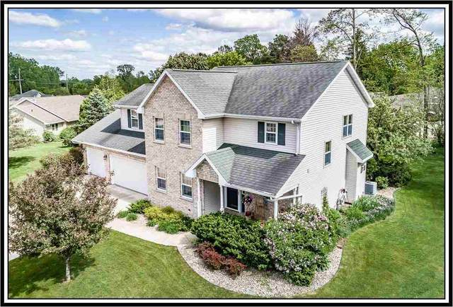 209 Oak Knoll Court, Hortonville, WI 54944 (#50240981) :: Todd Wiese Homeselling System, Inc.