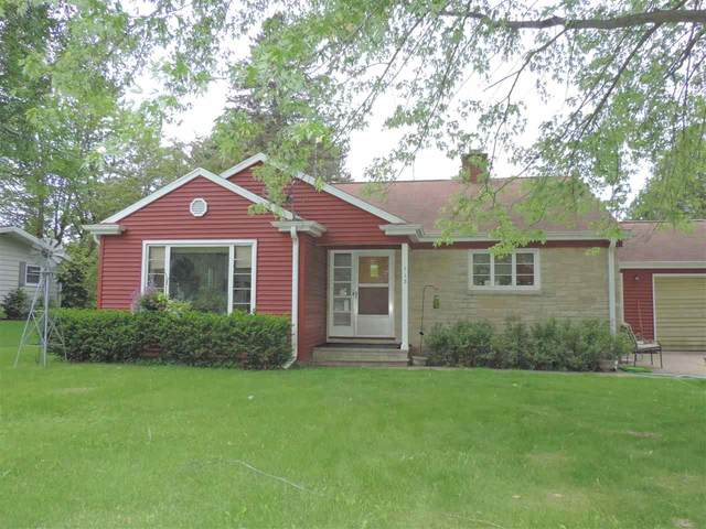 113 S Elm Avenue, Gillett, WI 54124 (#50241034) :: Todd Wiese Homeselling System, Inc.
