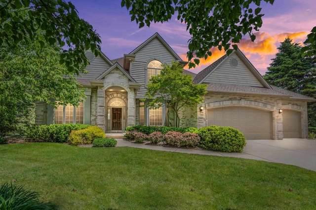 2536 S Huntington Way, Suamico, WI 54173 (#50241128) :: Carolyn Stark Real Estate Team
