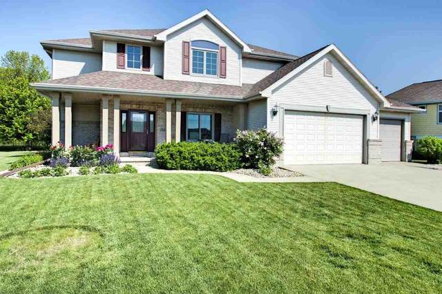 1525 Fallow Drive, Neenah, WI 54956 (#50241352) :: Todd Wiese Homeselling System, Inc.
