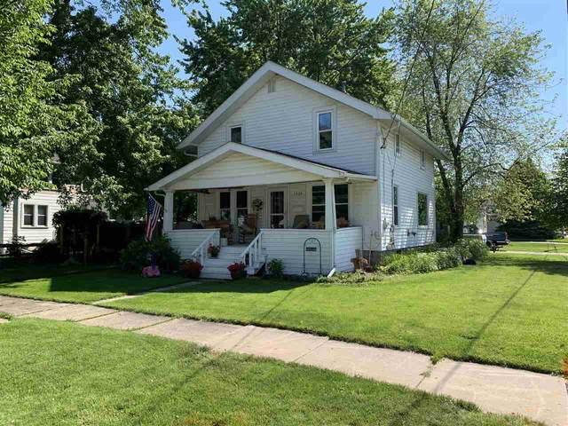 1424 N Graceland Avenue, Appleton, WI 54911 (#50241366) :: Todd Wiese Homeselling System, Inc.