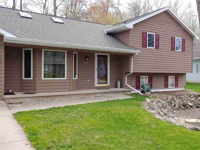 2041 Oakwood Drive, Green Bay, WI 54304 (#50241382) :: Carolyn Stark Real Estate Team