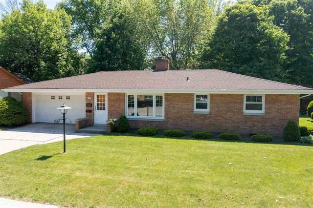 2133 Menasha Avenue, Manitowoc, WI 54220 (#50241455) :: Todd Wiese Homeselling System, Inc.