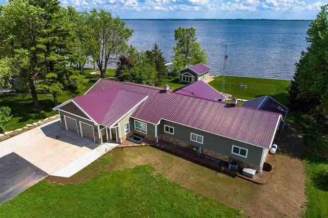 9201 Willow Lane, Fremont, WI 54940 (#50241464) :: Carolyn Stark Real Estate Team