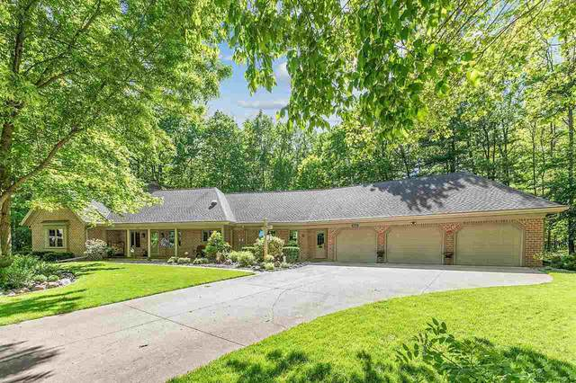 3061 W Tanager Lane, Suamico, WI 54313 (#50241465) :: Carolyn Stark Real Estate Team