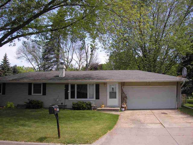 1376 View Lane, Green Bay, WI 54313 (#50241471) :: Todd Wiese Homeselling System, Inc.