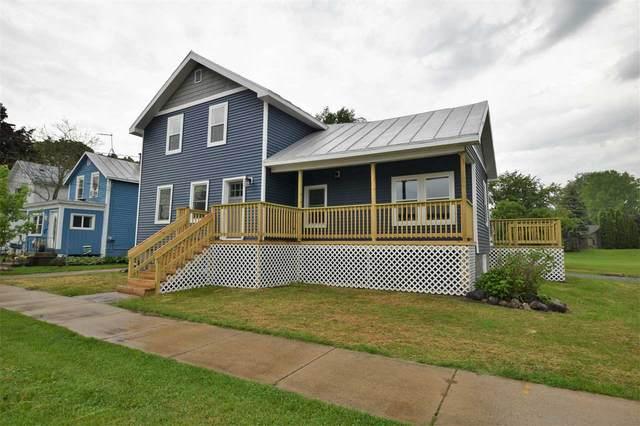 107 Park Avenue, Oconto, WI 54153 (#50241539) :: Carolyn Stark Real Estate Team