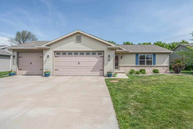 216 Lemongrass Way, Kaukauna, WI 54130 (#50241545) :: Carolyn Stark Real Estate Team