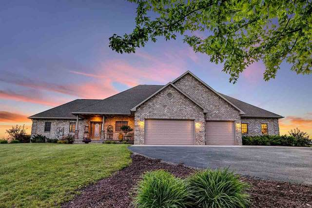 6650 Ledgetop Drive, Greenleaf, WI 54126 (#50241550) :: Dallaire Realty