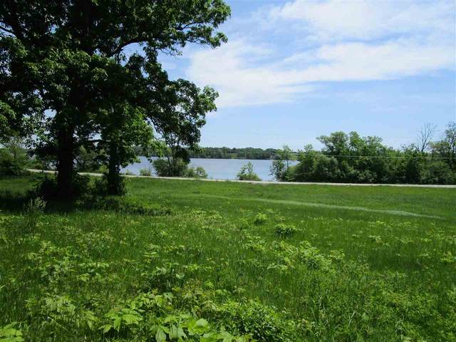2900 Lost Dauphin Road, De Pere, WI 54115 (#50241681) :: Todd Wiese Homeselling System, Inc.