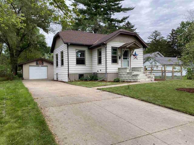 605 Larsen Street, Waupaca, WI 54981 (#50241707) :: Todd Wiese Homeselling System, Inc.