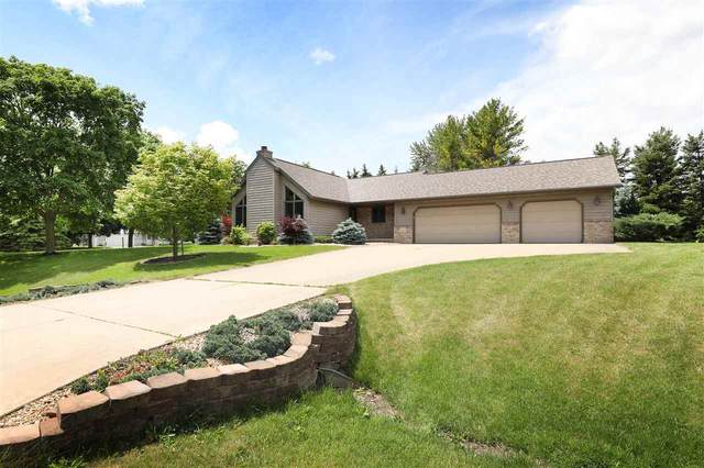 N1433 Westgreen Drive, Greenville, WI 54942 (#50241721) :: Todd Wiese Homeselling System, Inc.