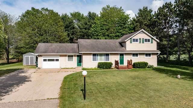 2289 S Apple Tree Lane, Waupaca, WI 54981 (#50241790) :: Todd Wiese Homeselling System, Inc.