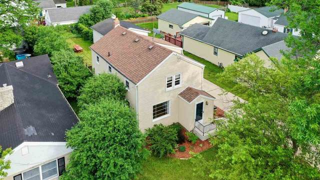 1405 Lost Dauphin Road, Green Bay, WI 54115 (#50241818) :: Carolyn Stark Real Estate Team