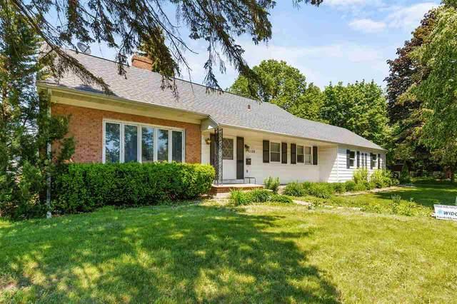 1108 E Pershing Street, Appleton, WI 54911 (#50241851) :: Todd Wiese Homeselling System, Inc.