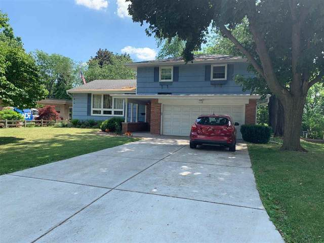 118 Woodview Lane, Green Bay, WI 54301 (#50241884) :: Todd Wiese Homeselling System, Inc.