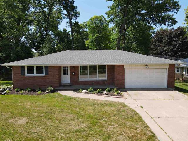 1705 9TH Street, Green Bay, WI 54304 (#50241898) :: Todd Wiese Homeselling System, Inc.