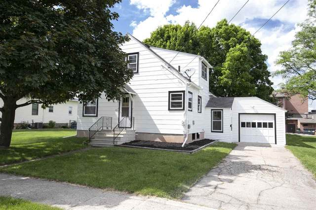 325 W Huron Street, Omro, WI 54963 (#50241918) :: Carolyn Stark Real Estate Team