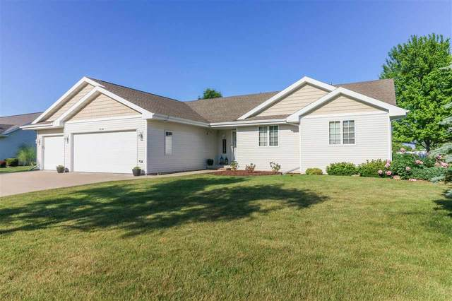 N1716 Medina Drive, Greenville, WI 54942 (#50241922) :: Dallaire Realty
