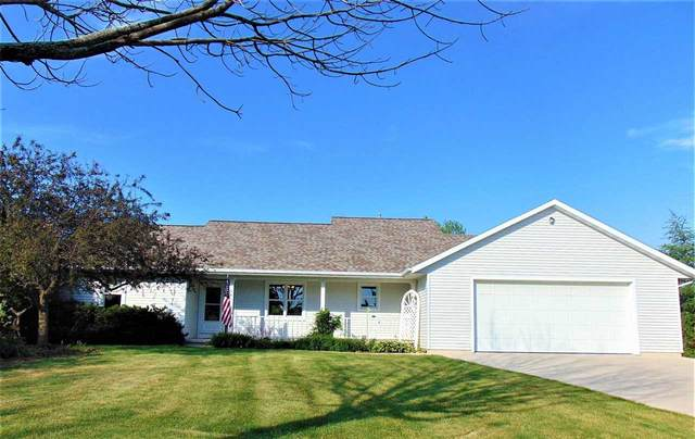 541 Brookfield Boulevard, Fond Du Lac, WI 54935 (#50241969) :: Carolyn Stark Real Estate Team