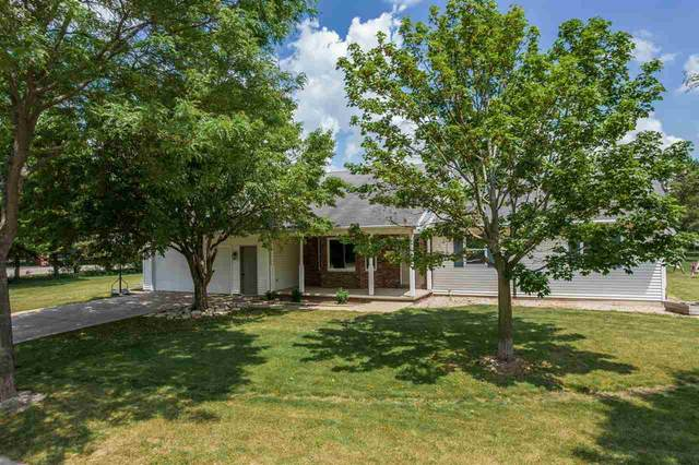 101 Ombre Rose Court, Combined Locks, WI 54113 (#50242018) :: Carolyn Stark Real Estate Team