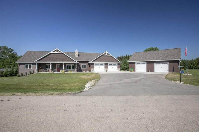 N1687 Twin Oak Court, Hortonville, WI 54944 (#50242025) :: Carolyn Stark Real Estate Team
