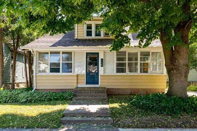 714 Oak Street, Oshkosh, WI 54901 (#50242081) :: Carolyn Stark Real Estate Team