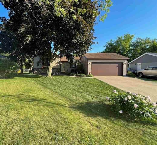 1325 Parkside Court, Oshkosh, WI 54901 (#50242086) :: Carolyn Stark Real Estate Team