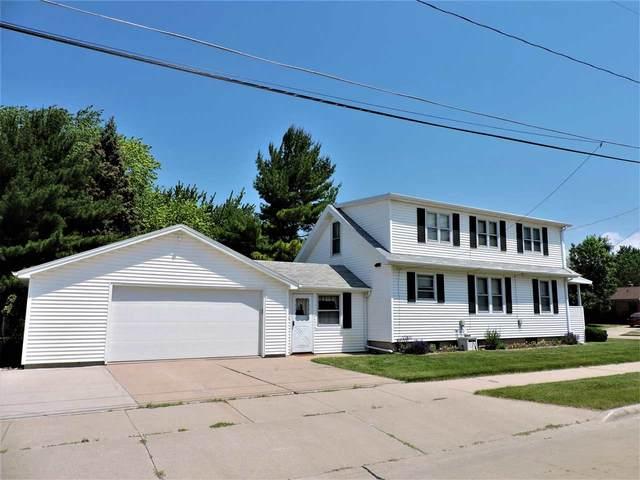403 Hawk Street, Oshkosh, WI 54902 (#50242113) :: Town & Country Real Estate