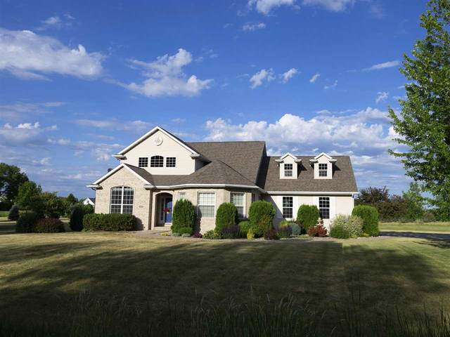 4694 Indian Bend Road, Oshkosh, WI 54904 (#50242120) :: Town & Country Real Estate