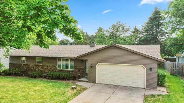 543 Masters Lane, Green Bay, WI 54311 (#50242127) :: Town & Country Real Estate