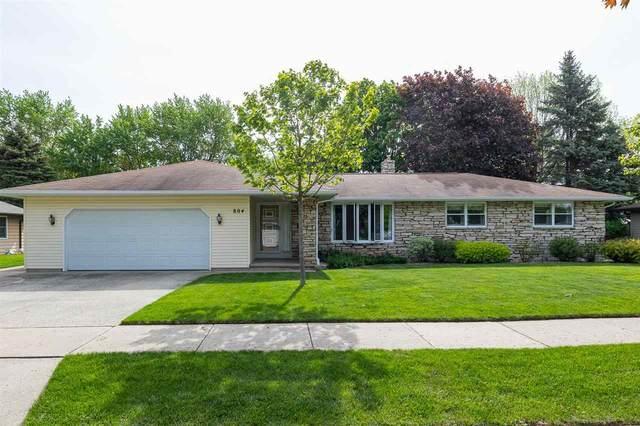 804 Meadow Lane, Kaukauna, WI 54130 (#50242153) :: Todd Wiese Homeselling System, Inc.