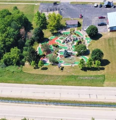 222 Grand Seasons Drive, Waupaca, WI 54981 (#50242156) :: Todd Wiese Homeselling System, Inc.