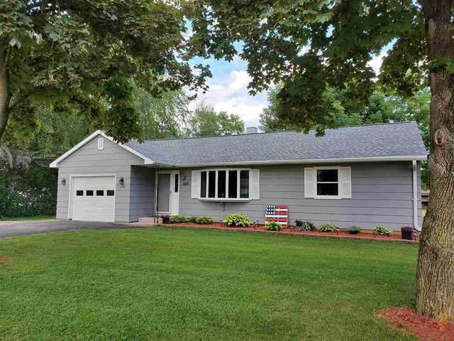 206 N Lincoln Street, Weyauwega, WI 54983 (#50242202) :: Carolyn Stark Real Estate Team
