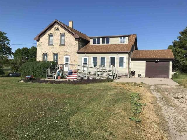 N1633 Lakeshore Road, Kewaunee, WI 54216 (#50242232) :: Todd Wiese Homeselling System, Inc.