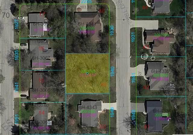 1940 Treeland Drive, Green Bay, WI 54304 (#50242281) :: Symes Realty, LLC