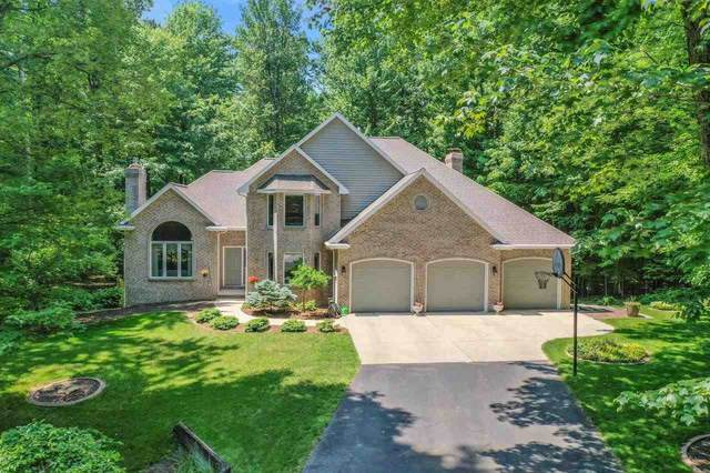 2325 Skyline Pines Drive, Green Bay, WI 54313 (#50242282) :: Todd Wiese Homeselling System, Inc.