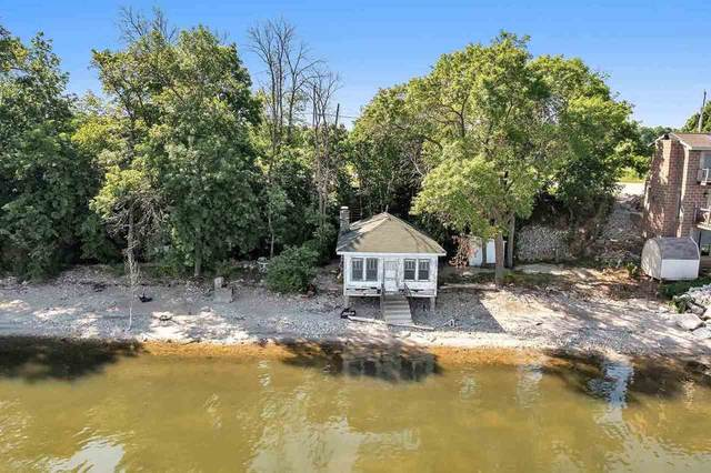 4435 Nicolet Drive, Green Bay, WI 54311 (#50242284) :: Todd Wiese Homeselling System, Inc.
