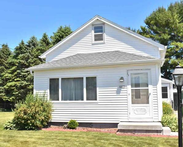 1325 S 39TH Street, Manitowoc, WI 54220 (#50242325) :: Todd Wiese Homeselling System, Inc.