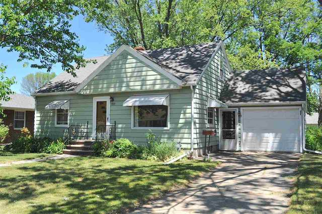1521 Grace Street, De Pere, WI 54115 (#50242338) :: Todd Wiese Homeselling System, Inc.