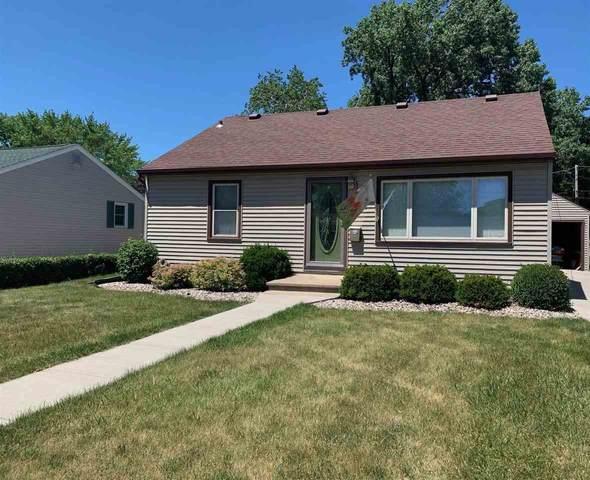 621 Cleveland Street, Neenah, WI 54956 (#50242348) :: Carolyn Stark Real Estate Team