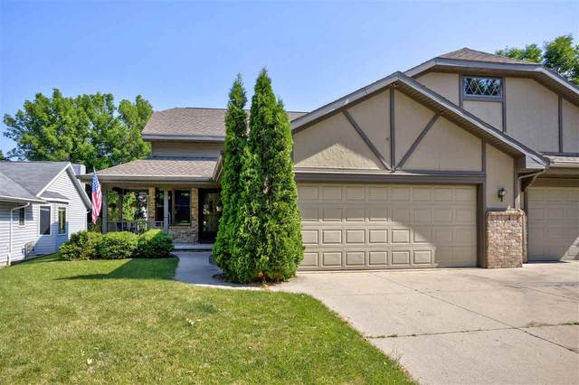 1318 W Homestead Drive, Appleton, WI 54914 (#50242356) :: Todd Wiese Homeselling System, Inc.