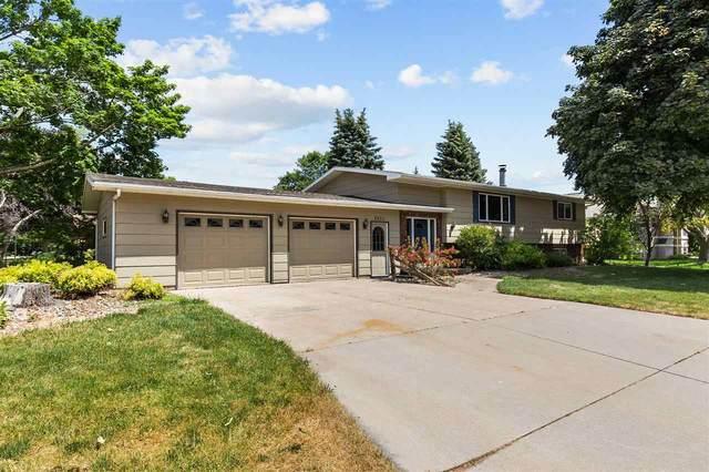 2430 W Applegate Drive, Appleton, WI 54914 (#50242399) :: Todd Wiese Homeselling System, Inc.