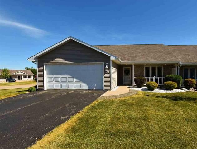 3180 Elk Ridge Drive F, Oshkosh, WI 54904 (#50242423) :: Todd Wiese Homeselling System, Inc.