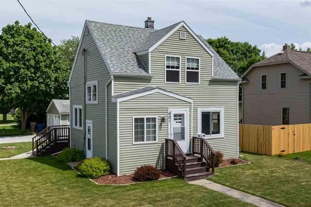 421 Manitowoc Street, Menasha, WI 59452 (#50242436) :: Carolyn Stark Real Estate Team