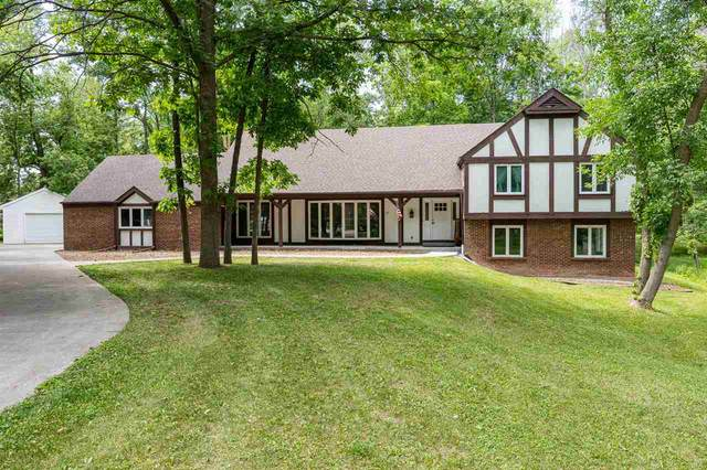 11 Hilltop Court, Appleton, WI 54914 (#50242439) :: Todd Wiese Homeselling System, Inc.