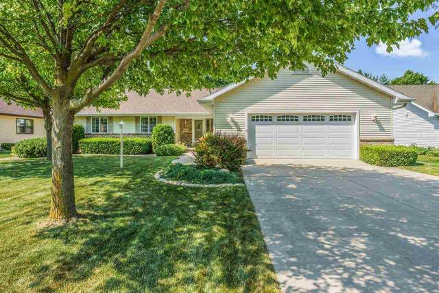 4616 W Grand Meadows Drive, Appleton, WI 54914 (#50242449) :: Todd Wiese Homeselling System, Inc.